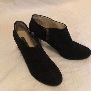 Nine West Black Suede Booties Size 9M